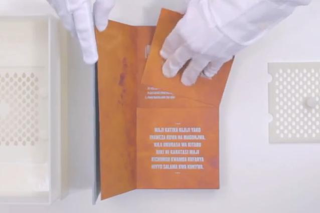 Drinkable Book, il libro che rende potabile l'acqua
