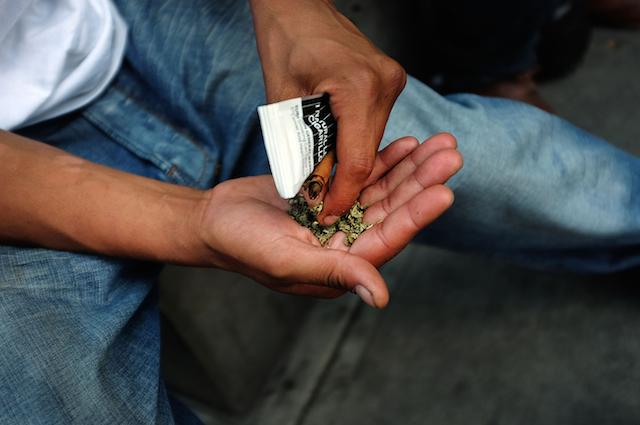 Cancro e depressione non sono causati del consumo di marijuana