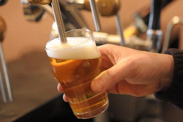 Gli effetti positivi della birra dopo lo sport, soprattutto per le donne