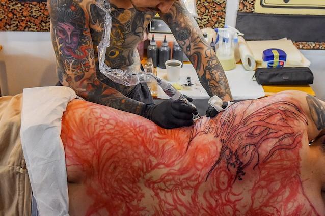 Perché farsi fare molti tatuaggi può rinforzare il sistema immunitario?