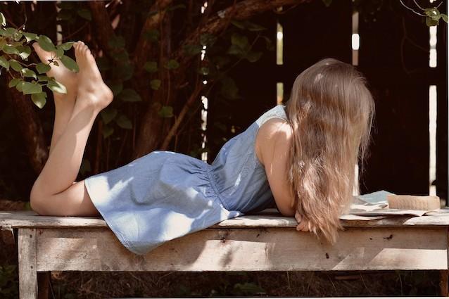 Leggere almeno 30 minuti al giorno allunga la vita di due anni