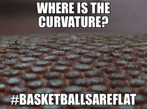 La palla da basket è piatta.