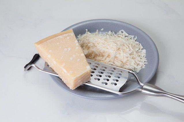 Sperma e formaggio elisir di lunga vita: ecco come la spermidina mantiene giovani