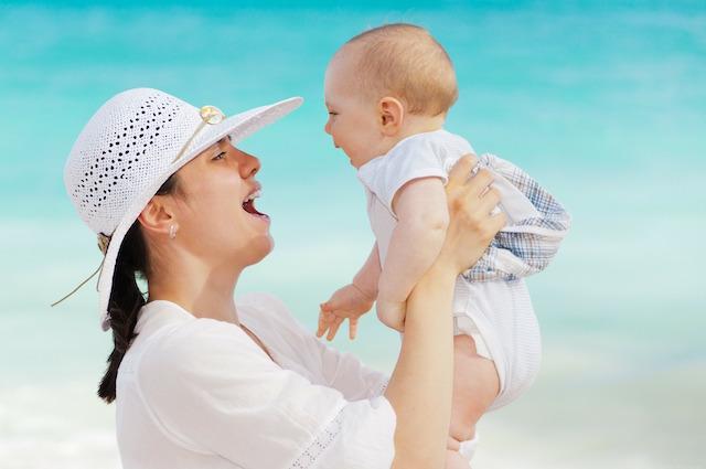 Le cure materne influenzano e cambiano il DNA dei figli con i geni che 'saltano'