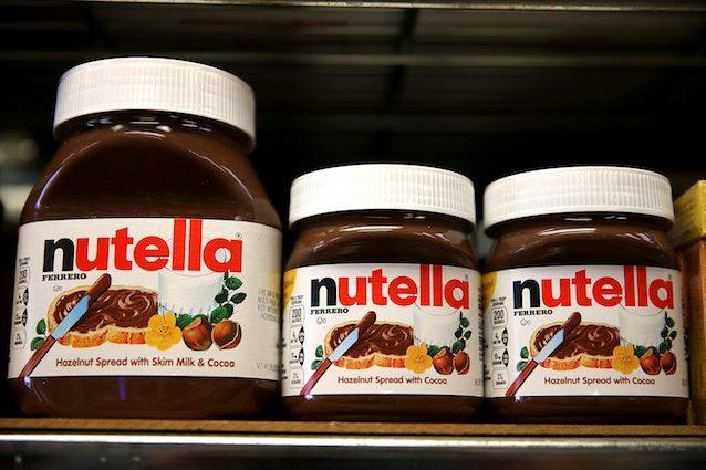 """La Nutella è cancerogena? La Ferrero spiega: """"Il nostro olio di palma è sicuro"""""""