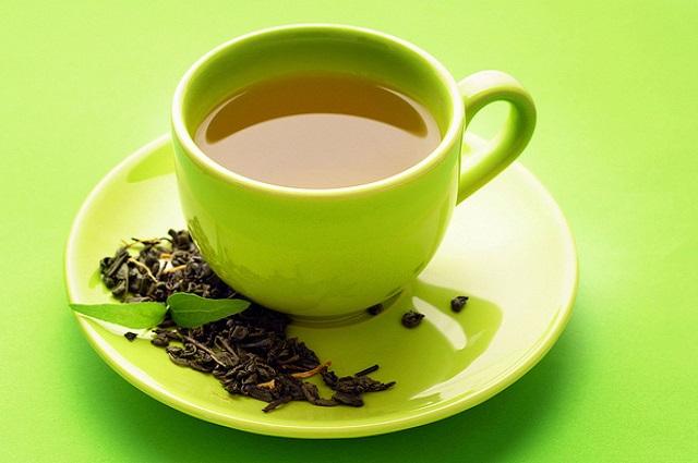 I benefici del tè verde per chi soffre di mieloma multiplo: così 'blocca' la malattia