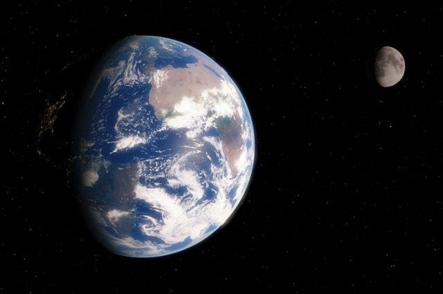 La Terra e il suo satellite naturale, la Luna. Immagine di flflflflfl https://pixabay.com/it/globo-terra-spazio-astronomia-luna-2038853/
