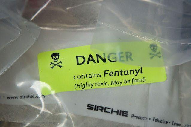 Fentanyl, l'analgesico più potente della morfina e dell'eroina: perché si usa come droga