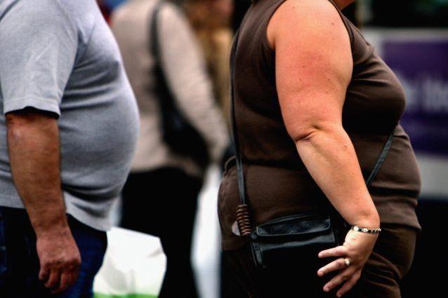 Obesità: perché i contenitori di alimenti possono far ingrassare e quali sono meno dannosi