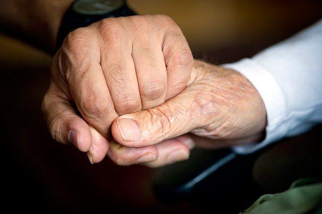 Parkinson, diagnosi non invasiva in 10 secondi con l'orologio low cost: preciso al 92%