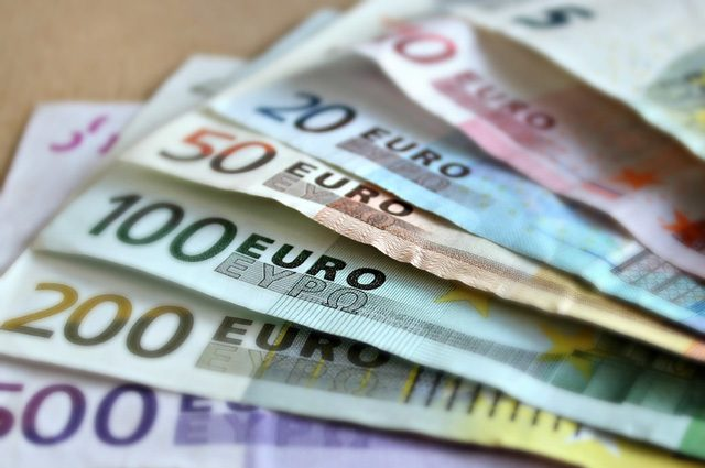 I soldi rendono felici: ci pagano il tempo libero