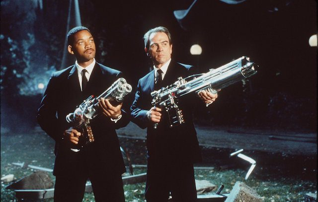 "I Men in black secondo la fiction cinematografica. Tratto da ""MiB"" di Barry Sonnenfeld, del 1997."