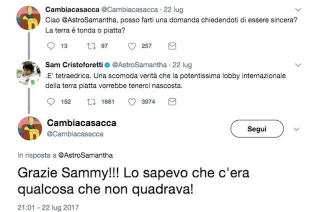 """Samantha Cristoforetti: """"La Terra è piatta"""". Il tweet dell'astronauta fa impazzire il web"""