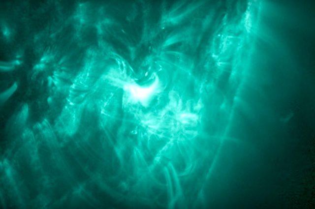 Eruzione solare fallita: le immagini spettacolari della NASA
