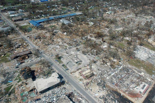 La devastazione prodotta dall'uragano Katrina: credit FEMA/Mark Wolfe