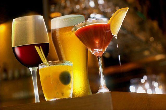 L'alcol fa venire il cancro, ma vogliono nascondercelo: la verità nello studio choc