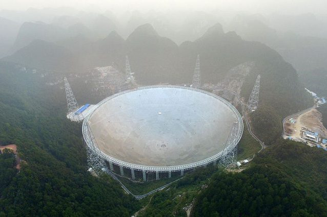 Il più grande radiotelescopio della Terra 'vede' sei pulsar: debutto coi fiocchi per il FAST