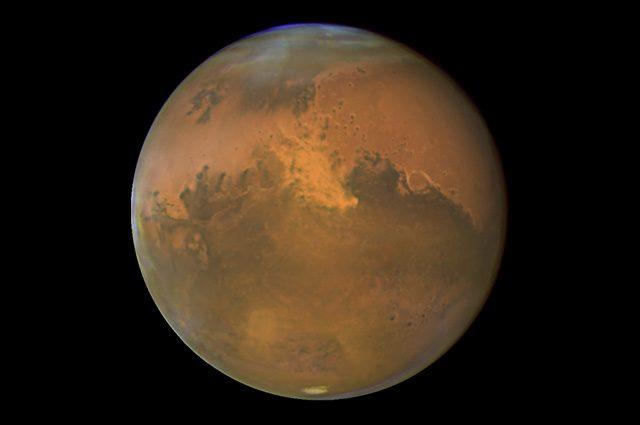 Marte, l'acqua liquida fluì a lungo sulla superficie grazie a enormi esplosioni di metano