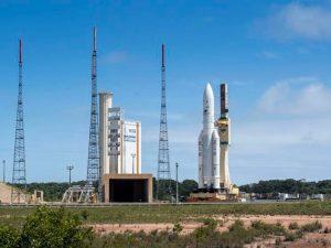 """Razzo Ariane 5 sparisce dopo il lancio e """"abbandona"""" i satelliti nell'orbita sbagliata"""