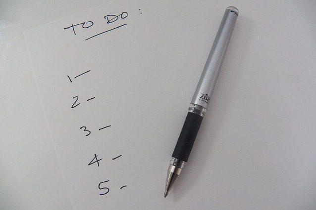 Perché scrivere la lista delle cose da fare quando siamo a letto ci fa dormire meglio