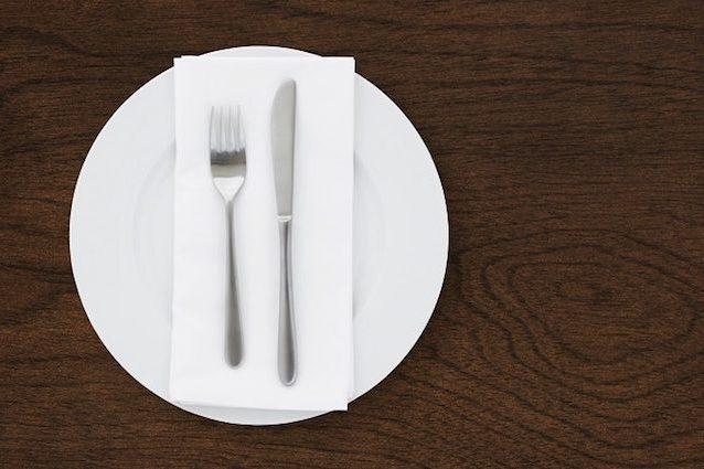 Plastica: ogni giorno nel piatto 100 micro particelle