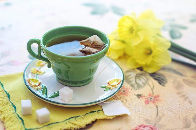 Le foglie di tè 'uccidono' il cancro ai polmoni: sconfitto l'80% delle cellule malate