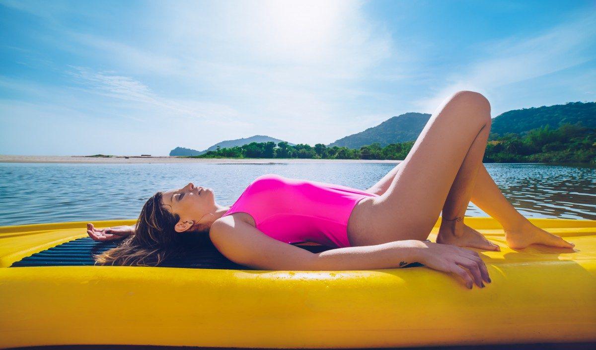 I falsi miti sulle creme solari: cosa dobbiamo sapere per prendere il sole in sicurezza