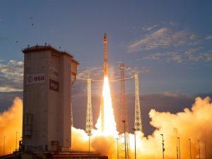 Lanciato Aeolus, il satellite dal cuore italiano che rivoluzionerà le previsioni meteo