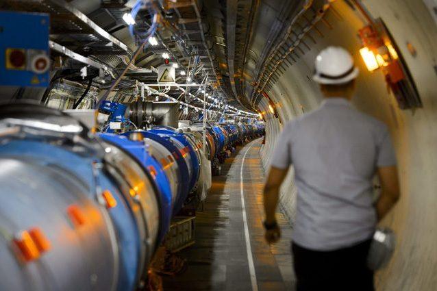 Luce dall'antimateria osservata per la prima volta: un passo in più per capire l'Universo