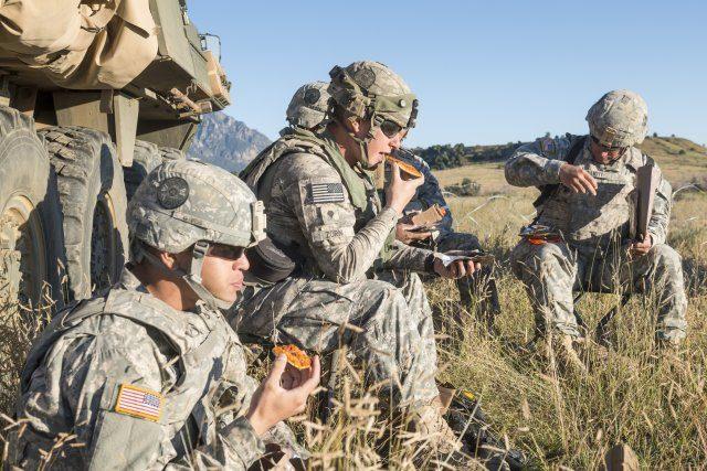 """Pizza """"da battaglia"""" per i soldati USA: la MRE Pepperoni creata dopo 20 anni di ricerche"""