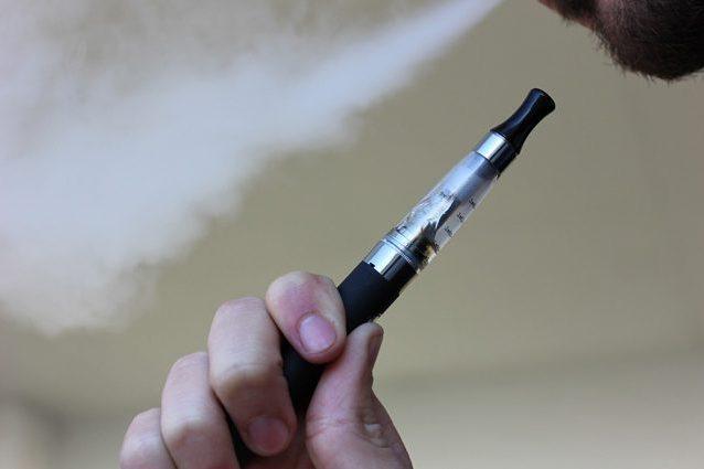 Sigarette elettroniche associate a grave e misteriosa malatt