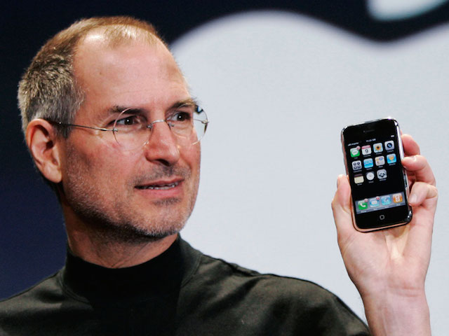 Apple ha creato l'iPhone perché Steve Jobs odiava un manager di Microsoft
