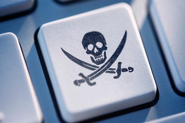 Ecco cosa si rischia a scaricare illegalmente film e musica da internet