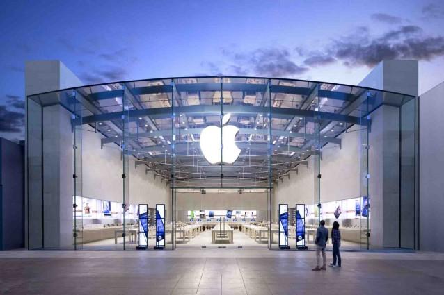 Apple preferisce indebitarsi che pagare le tasse: così (tutte) le banche aiutano la mela