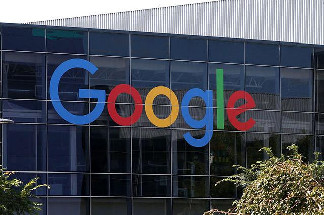 Google usa lo smartphone per spiare e registrare le vostre conversazioni: ecco come cancellarle