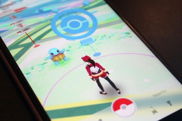"""Pokémon Go, Telefono Azzurro: """"Attenzione al rischio pedofilia e adescamento"""""""