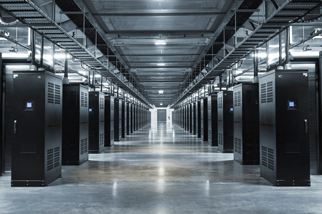 Mark Zuckerberg pubblica le foto dei data center di Facebook