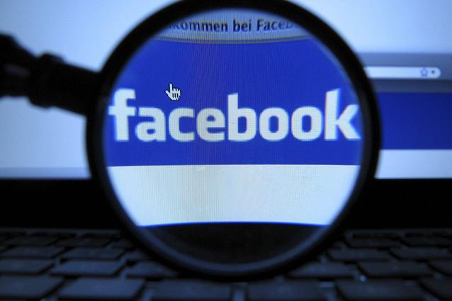 """Il Codacons denuncia Facebook: """"Non vigila sulle recensioni"""""""
