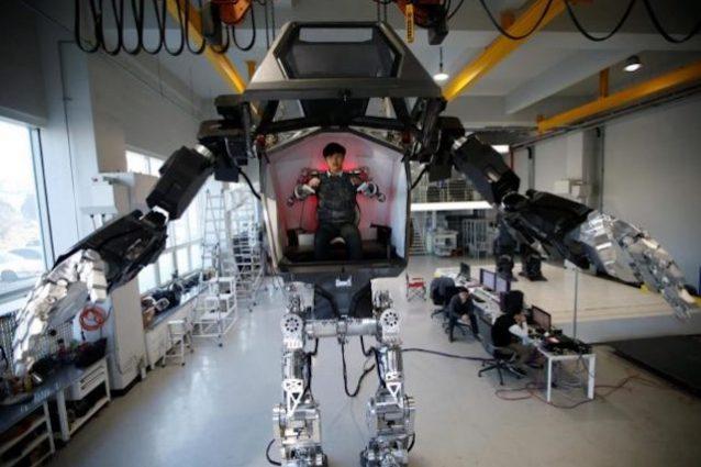 Ecco il robot umanoide che si comanda come un gundam