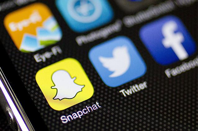 Giovani e social media, 1 su 3 condivide bufale