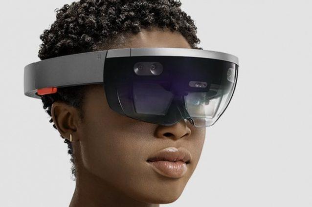 HoloLens, la nuova versione del visore per la realtà aumentata di Microsoft nel 2019