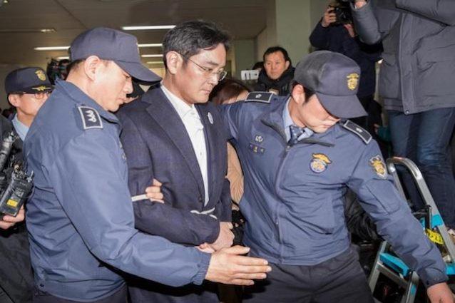 Il vicepresidente di Samsung sarà incriminato per corruzione e frode