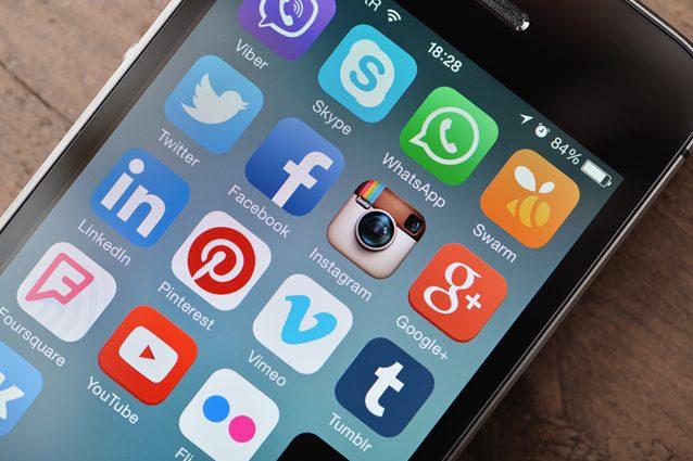 Snapchat e Tinder non piacciono agli italiani: fuga di massa dai social network