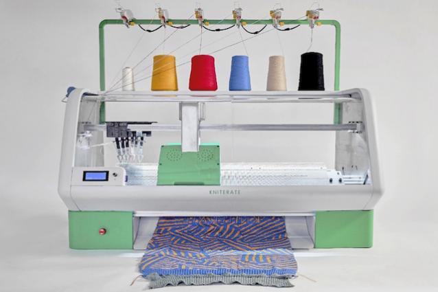 """Questa stampante 3D """"stampa"""" maglioni più velocemente di vostra nonna"""