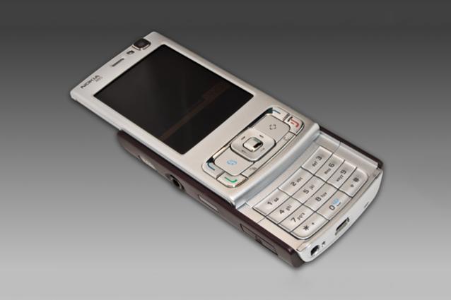 """10 anni fa usciva il Nokia N95, il cellulare """"schiacciato"""" dall'iPhone"""