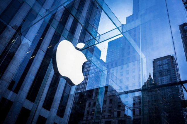 Apple da record: vale 800 miliardi di dollari in Borsa