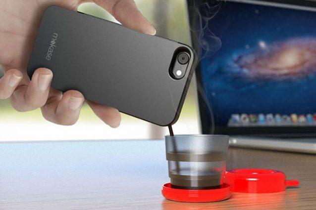 Questa cover per smartphone fa anche il caffè
