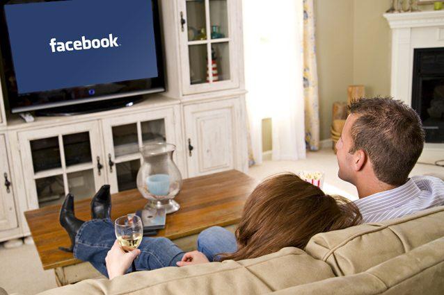 Facebook in trattative con Hollywood per gli show: fino a 3 milioni di dollari per episodio