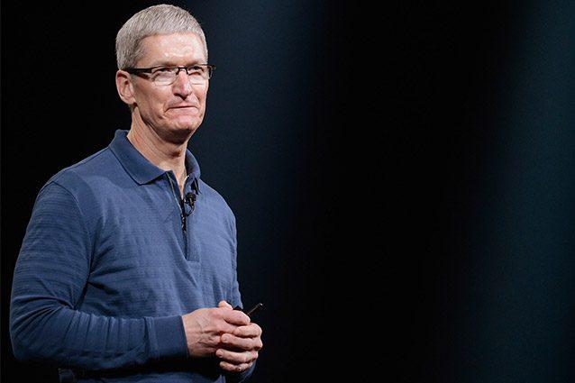 """Tim Cook: """"Apple è al lavoro sulle auto a guida autonoma"""""""