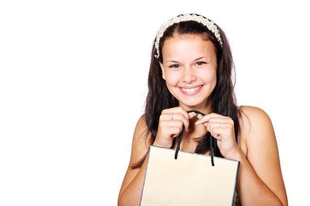 Shopping online, quattro trucchi per fare spese su Internet